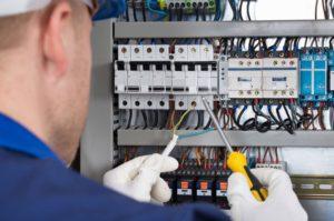 Engenharia e Instalações Elétricas